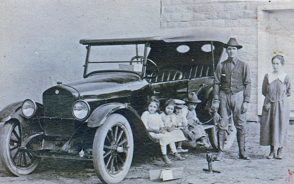 The First Car in Amalia